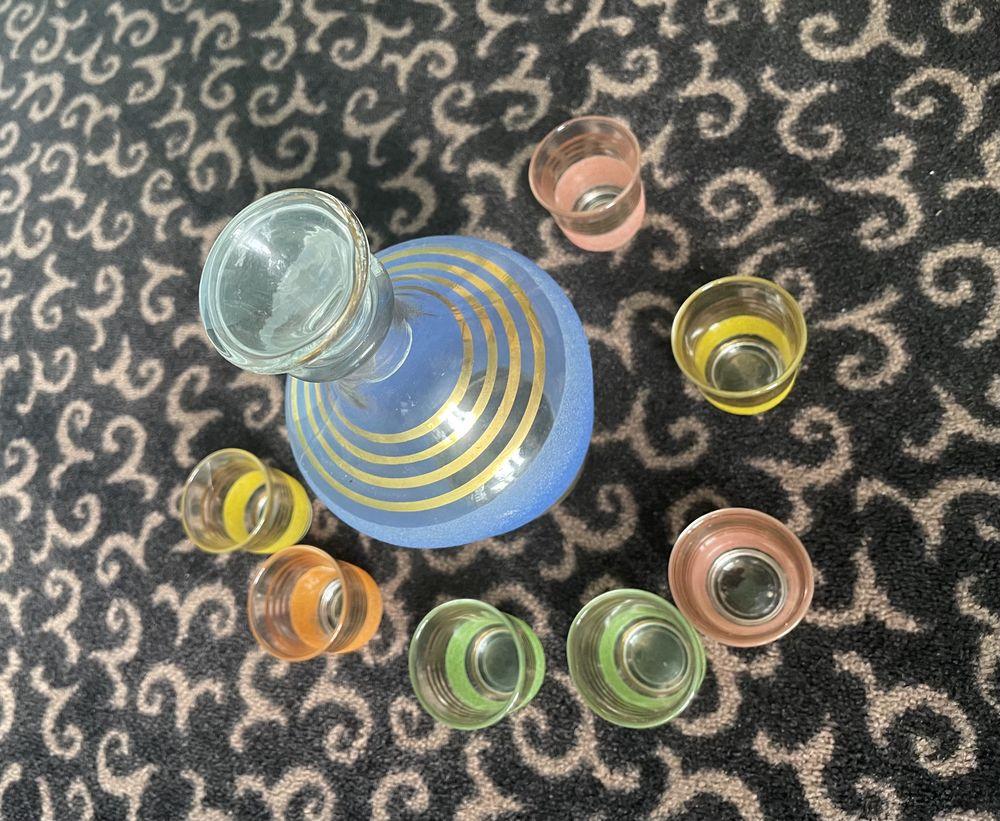 Bouteille à liqueur ou de vie avec 7 verre de différents col 20 Saint-Firmin-des-Bois (45)
