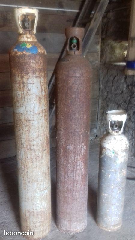 bouteilles oxygène et acétylène 400 Saint-Étienne-de-Montluc (44)