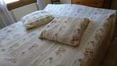 boutis pour lit de 160 et 2 housses oreillers 25 Laimont (55)