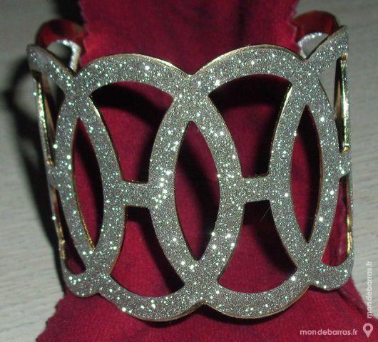 Bracelet manchette chic Bijoux et montres