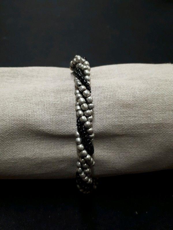 bracelet noir et argenté 1 La Ferté-sous-Jouarre (77)
