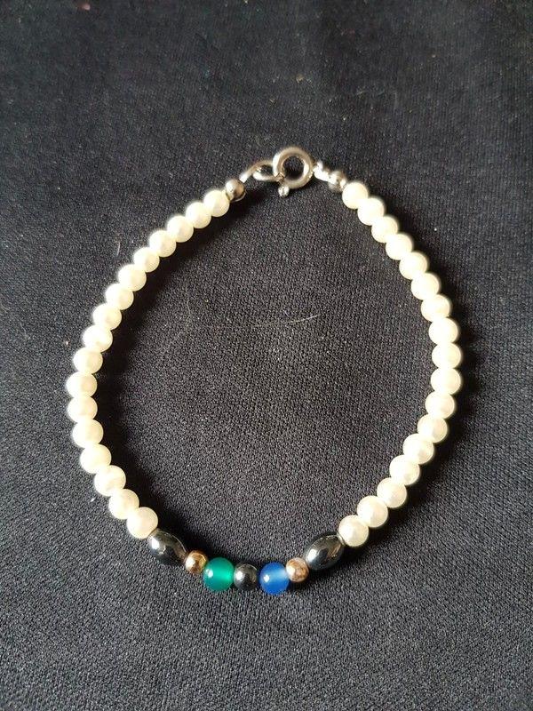 Bracelet perle blanche et couleur 19 cm neuf 2 e Bijoux et montres