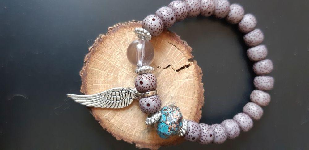 Bracelet en perles de résine montées sur élastique 3 La Seyne-sur-Mer (83)