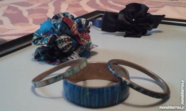 Lot 3 bracelets, serre tête et pince fantaisies Bijoux et montres
