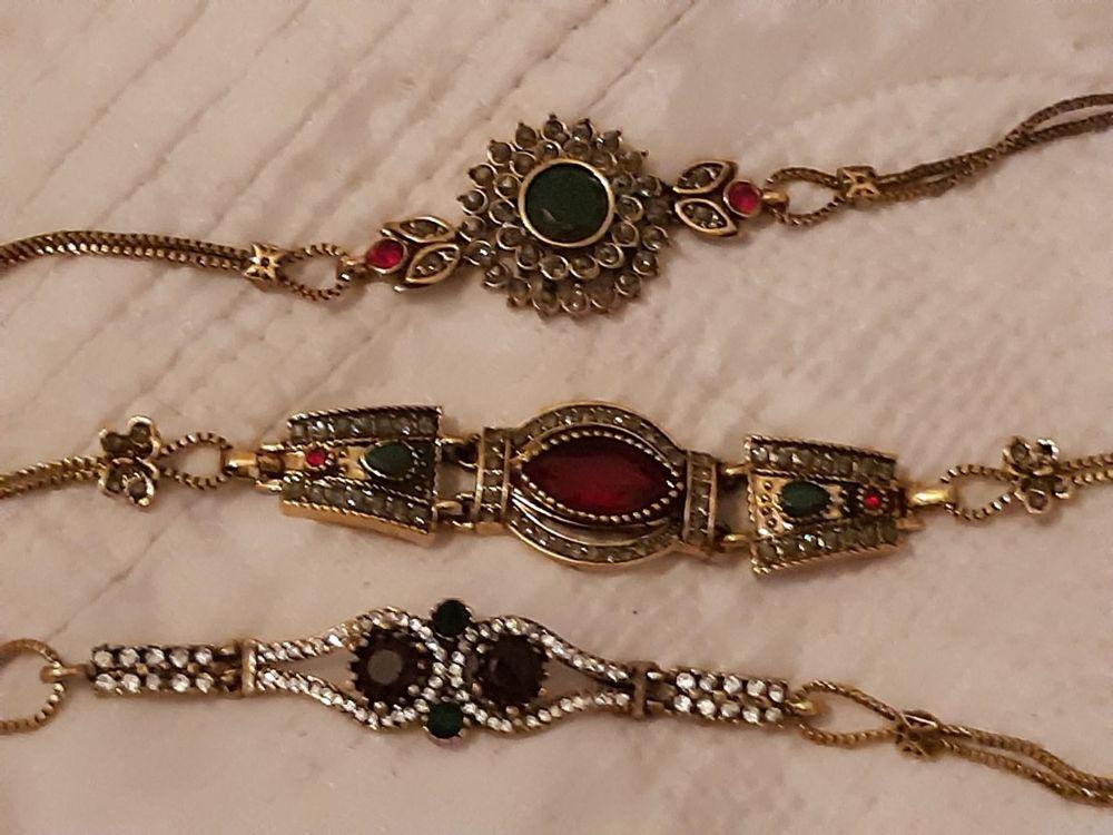 Bracelets de style - neufs - pierreries et brillants  18 Châtenay-Malabry (92)