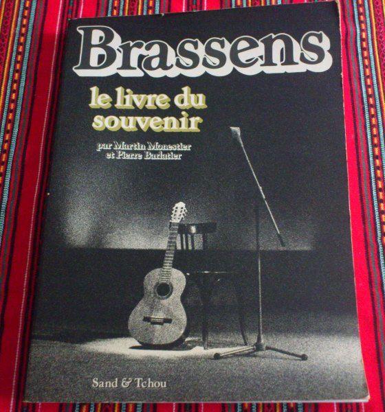 BRASSENS- LE LIVRE DU SOUVENIR  10 Lévis-Saint-Nom (78)