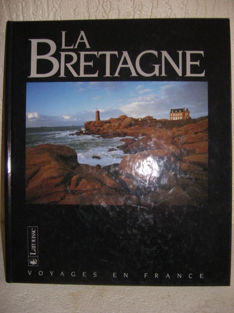 La Bretagne ( Larousse ) Livres et BD