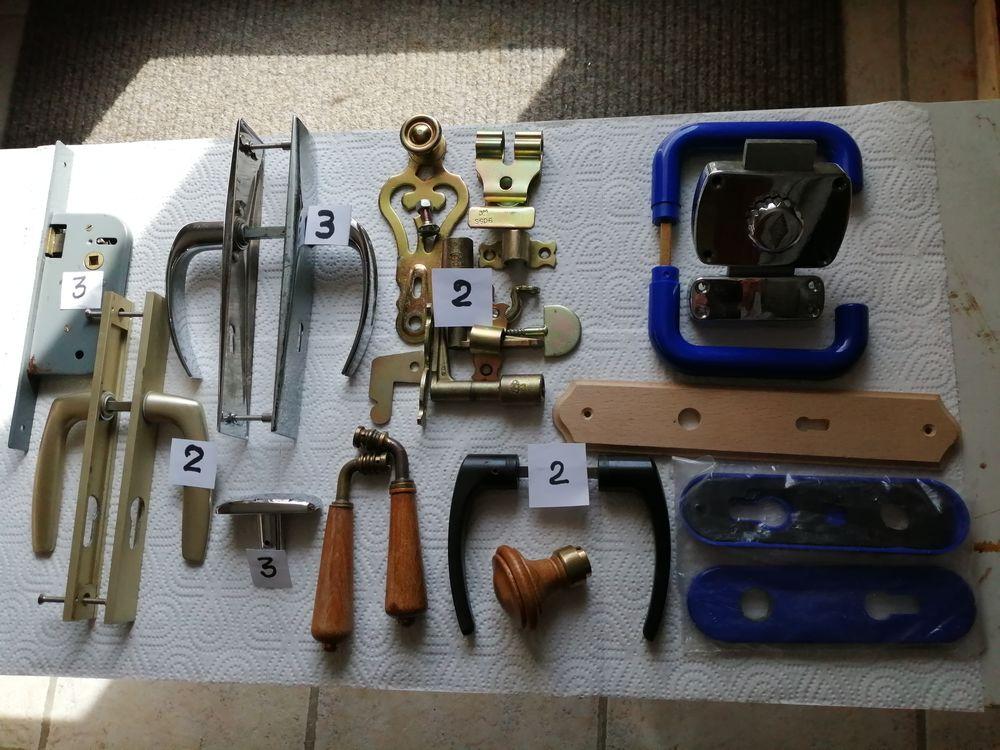 bricolage b26 serrures poignées portes et autres accessoires 10 Montigny-le-Bretonneux (78)