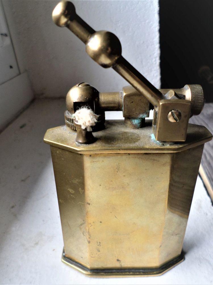 BRIQUET DE TABLE EN LAITON  1950 50 Châteauneuf-sur-Isère (26)