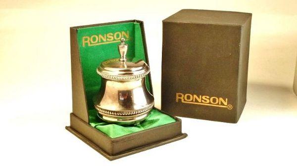 Briquet de table «Ronson» 30 Montargis (45)