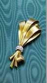 Broche en laiton doré des années 1950  15 Montargis (45)
