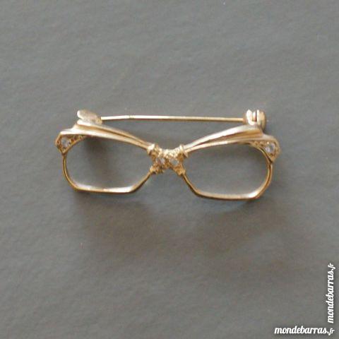 Broche lunette dorée sertie de 4 brillants 5 Cabestany (66)