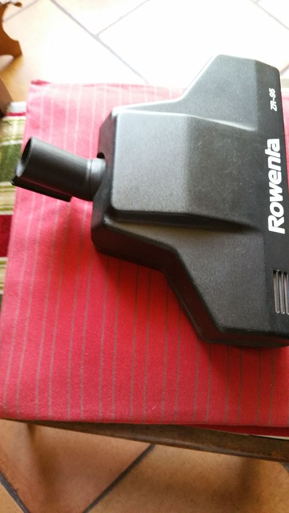 brosse aspirateur Rowenta pour tapis  moquette 23 Thénezay (79)
