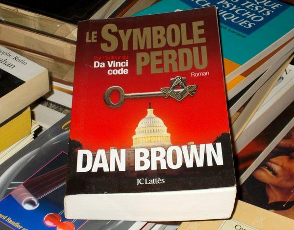 Dan Brown roman le symbole perdu 10 Monflanquin (47)