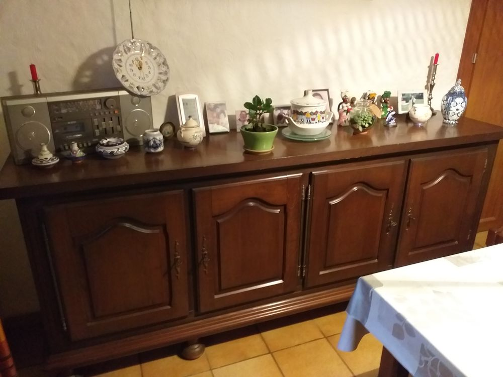 Buffet  Pau (64000) 120 Pau (64)