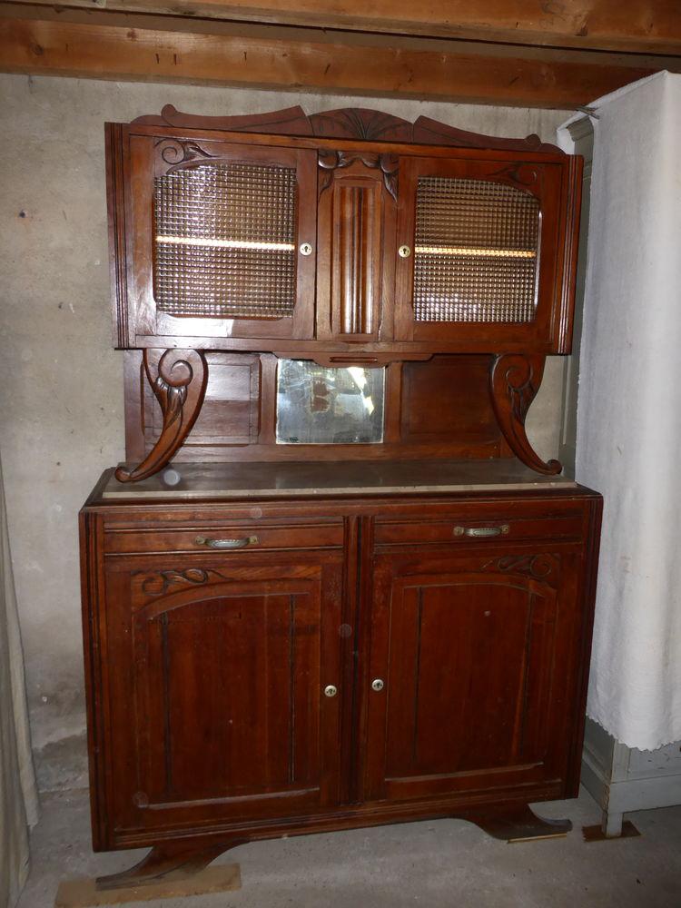Buffet en bois plein 4 portes et deux tiroirs 80 Marmande (47)