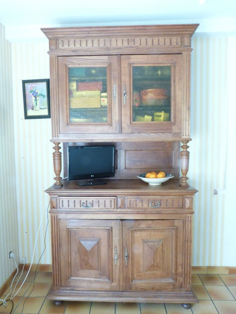 Buffet 2 corps bois massif claire 350 Rennes (35)