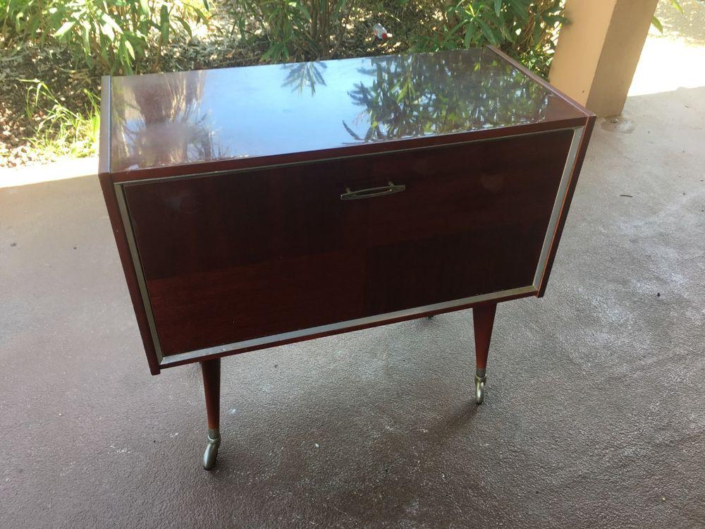meubles vintage occasion dans le var 83 annonces achat et vente de meubles vintage. Black Bedroom Furniture Sets. Home Design Ideas