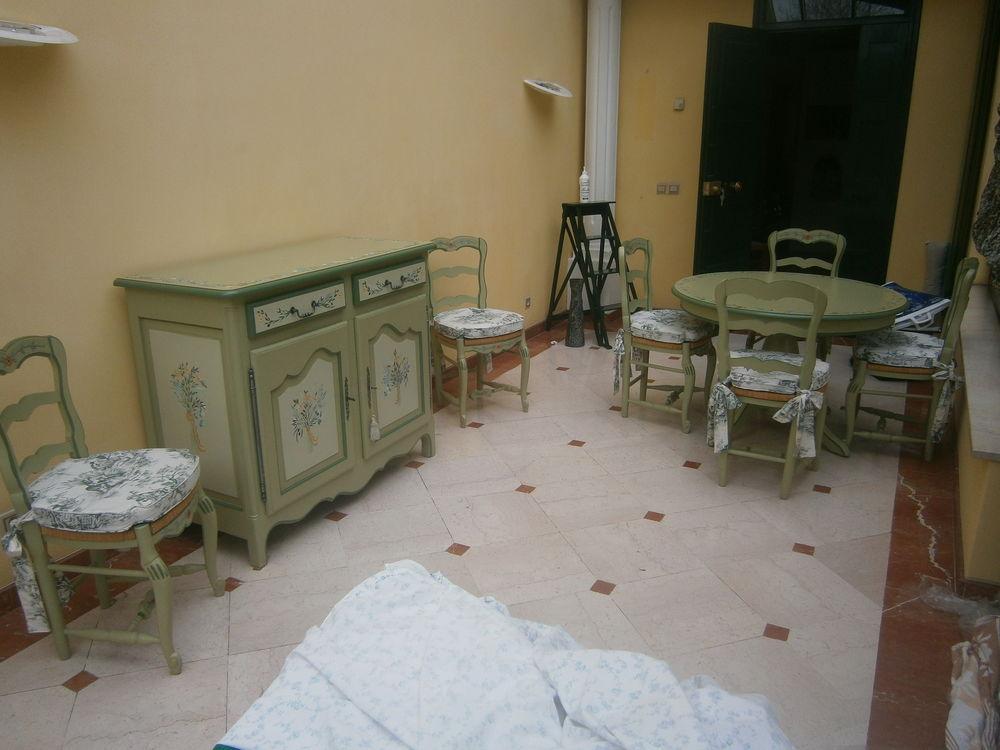 Buffet;Table,Chaises, Provencaux, sigés  EVA RECKING  3900 Grenoble (38)