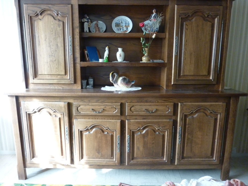 BUFFET. TABLE. CHAISES CHENE MASSIF 0 Verneuil-sur-Avre (27)