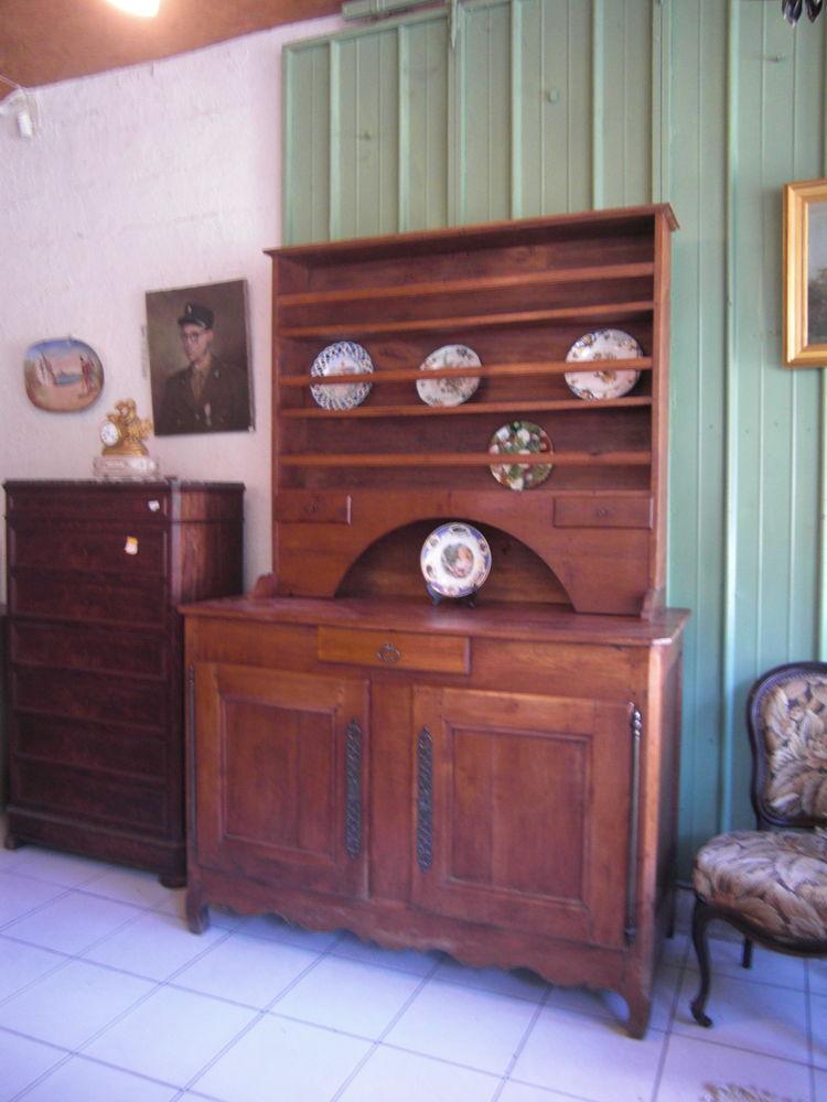 Buffet vaisselier ancien 660 Château-l'Évêque (24)
