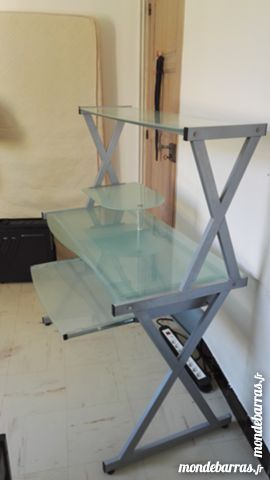 bureaux en verre occasion dans le var 83 annonces achat et vente de bureaux en verre. Black Bedroom Furniture Sets. Home Design Ideas