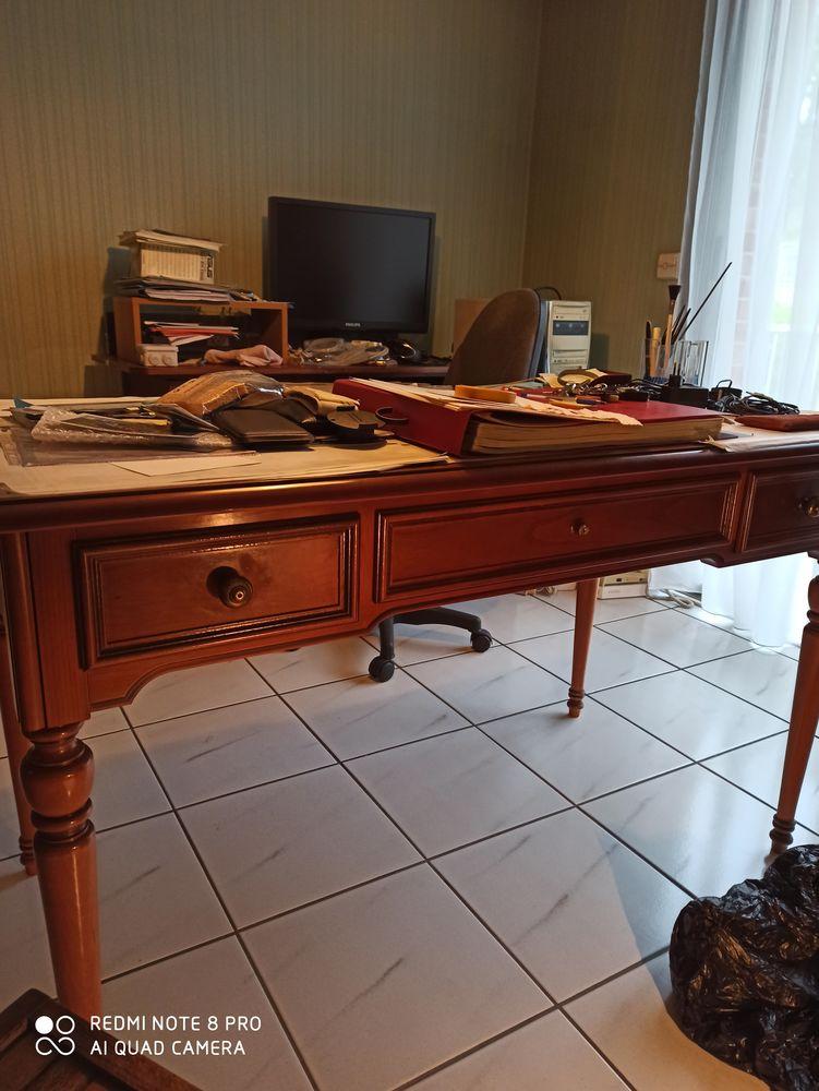 Bureau ancien en merisier superbe état  150 Saint-Germain-en-Laye (78)