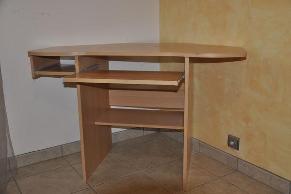 bureaux h tre occasion annonces achat et vente de. Black Bedroom Furniture Sets. Home Design Ideas