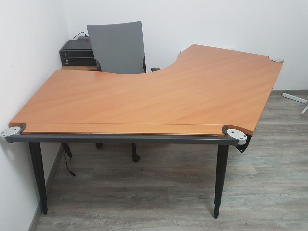 Bureau avec chaise pour pc ordinateur  290 Le Perray-en-Yvelines (78)