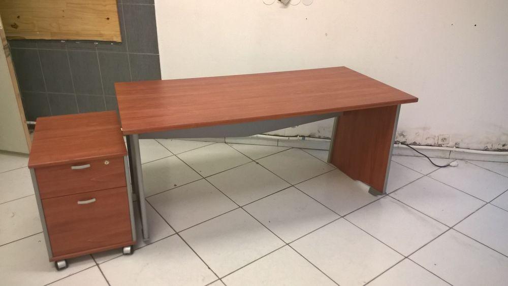 Achetez bureau avec meuble occasion annonce vente canet for Meuble bureau volet roulant