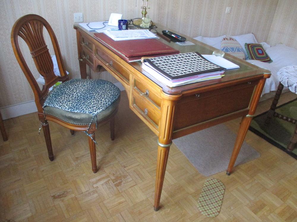 Bureau avec plaque de verre et chaise  700 Melun (77)