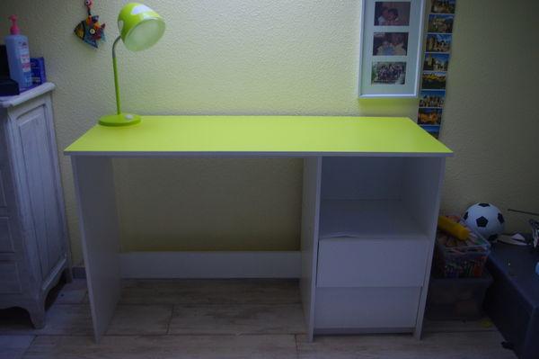 bureau blanc et vert Meubles