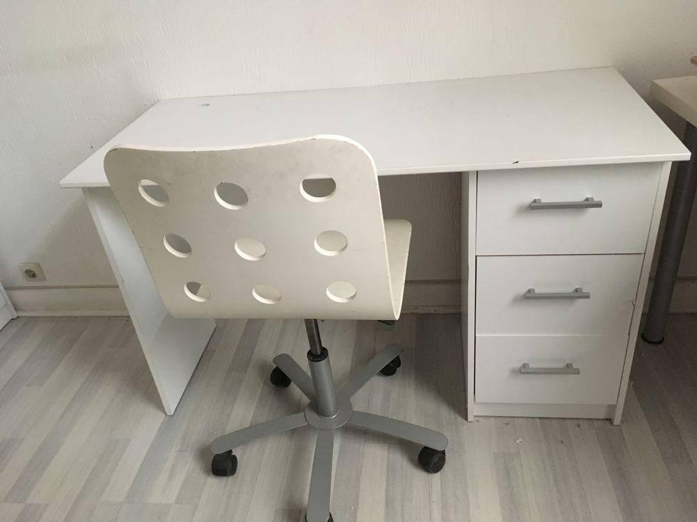 Bureau et chaise blanche 70 Clichy (92)