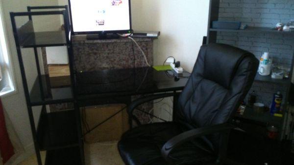 bureau, chaise et lampe 100 Argenteuil (95)