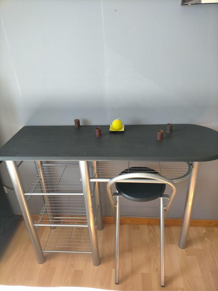 Bureau et chaise 30 Brindas (69)