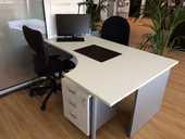 bureau+ 2 chaises noires +lampes 1338 Annecy-le-Vieux (74)