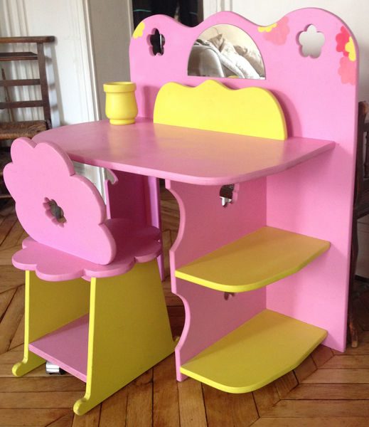 bureau fille rose good beautiful bureau maternelle frie rose vertbaudet enfant with bureau. Black Bedroom Furniture Sets. Home Design Ideas