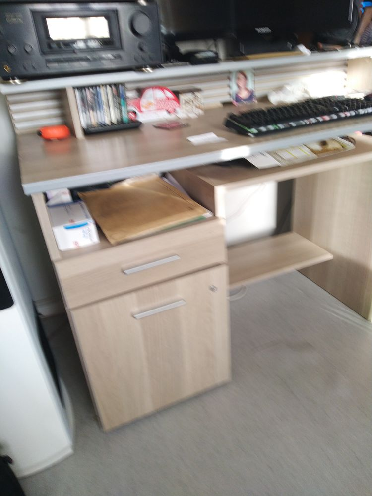 Bureau Conforama avec étagére et rangement 40 Boussay (44)