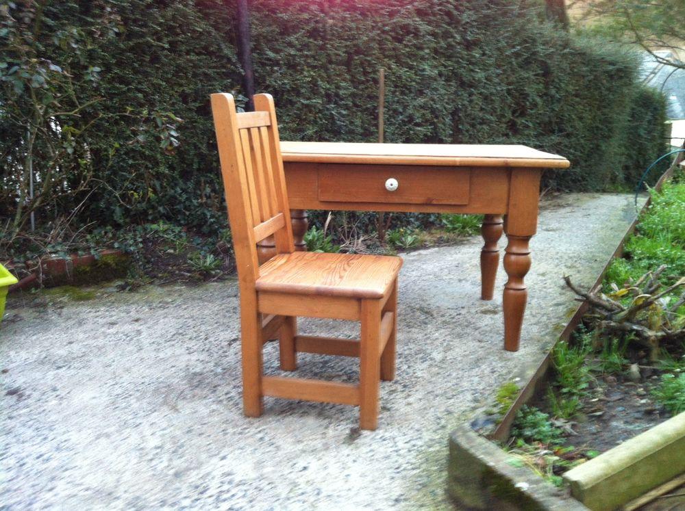 Bureau enfant + chaise Meubles