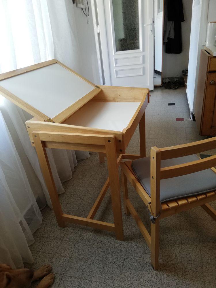 bureau enfant + une chaise 40 Bourgoin-Jallieu (38)
