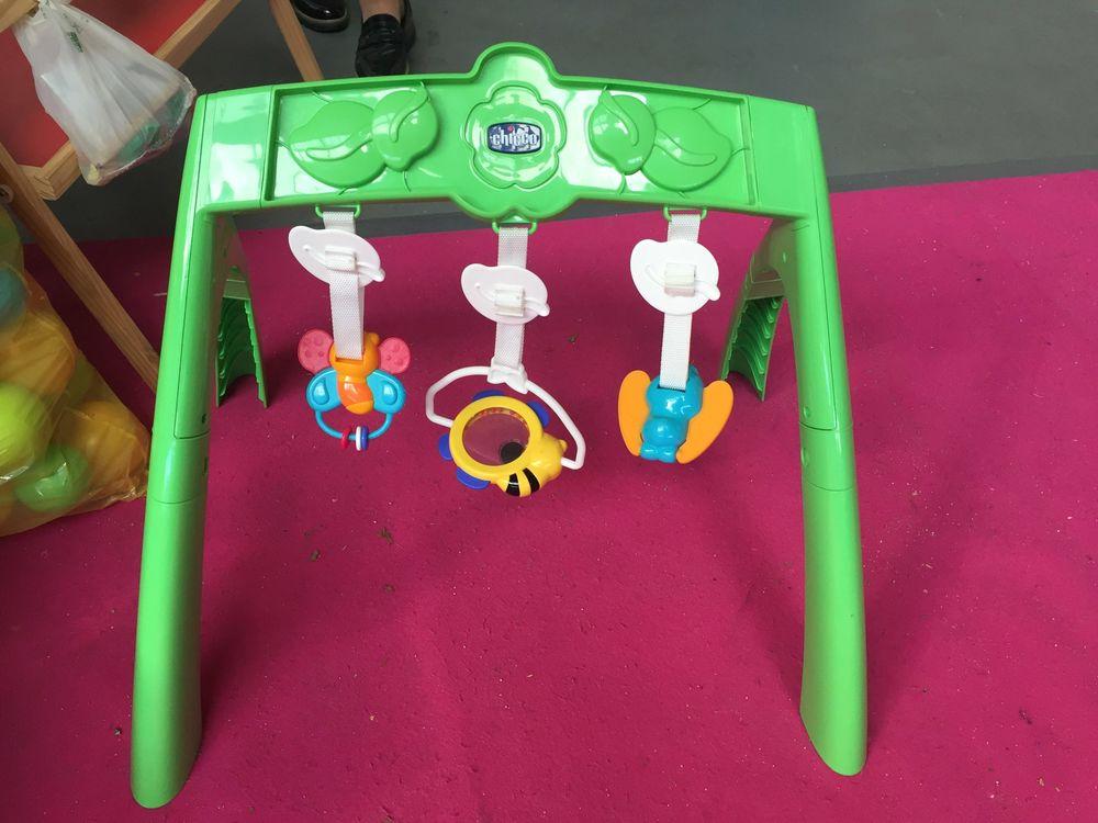 bureau enfant jeux pour bebe 10 Muret (31)