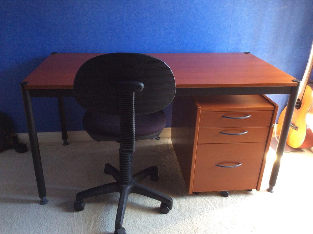 bureau et fauteuil 110 Malay-le-Grand (89)