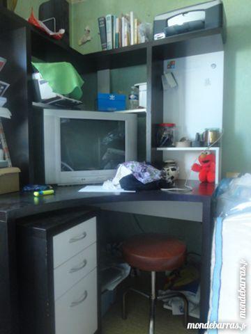 bureau IKEA  neuf , jamais servi .pro 160 Argenteuil (95)