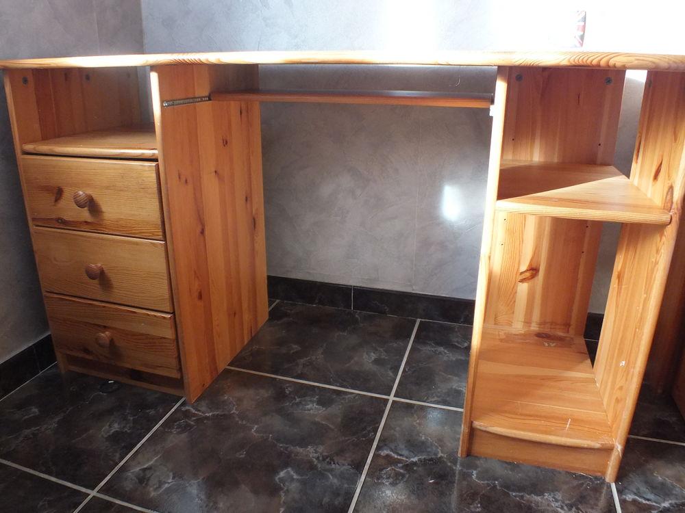 achetez bureau en pin massif occasion annonce vente cazouls l s b ziers 34 wb158050779. Black Bedroom Furniture Sets. Home Design Ideas