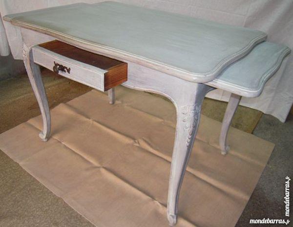 tables noyer occasion annonces achat et vente de tables noyer paruvendu mondebarras page 33. Black Bedroom Furniture Sets. Home Design Ideas