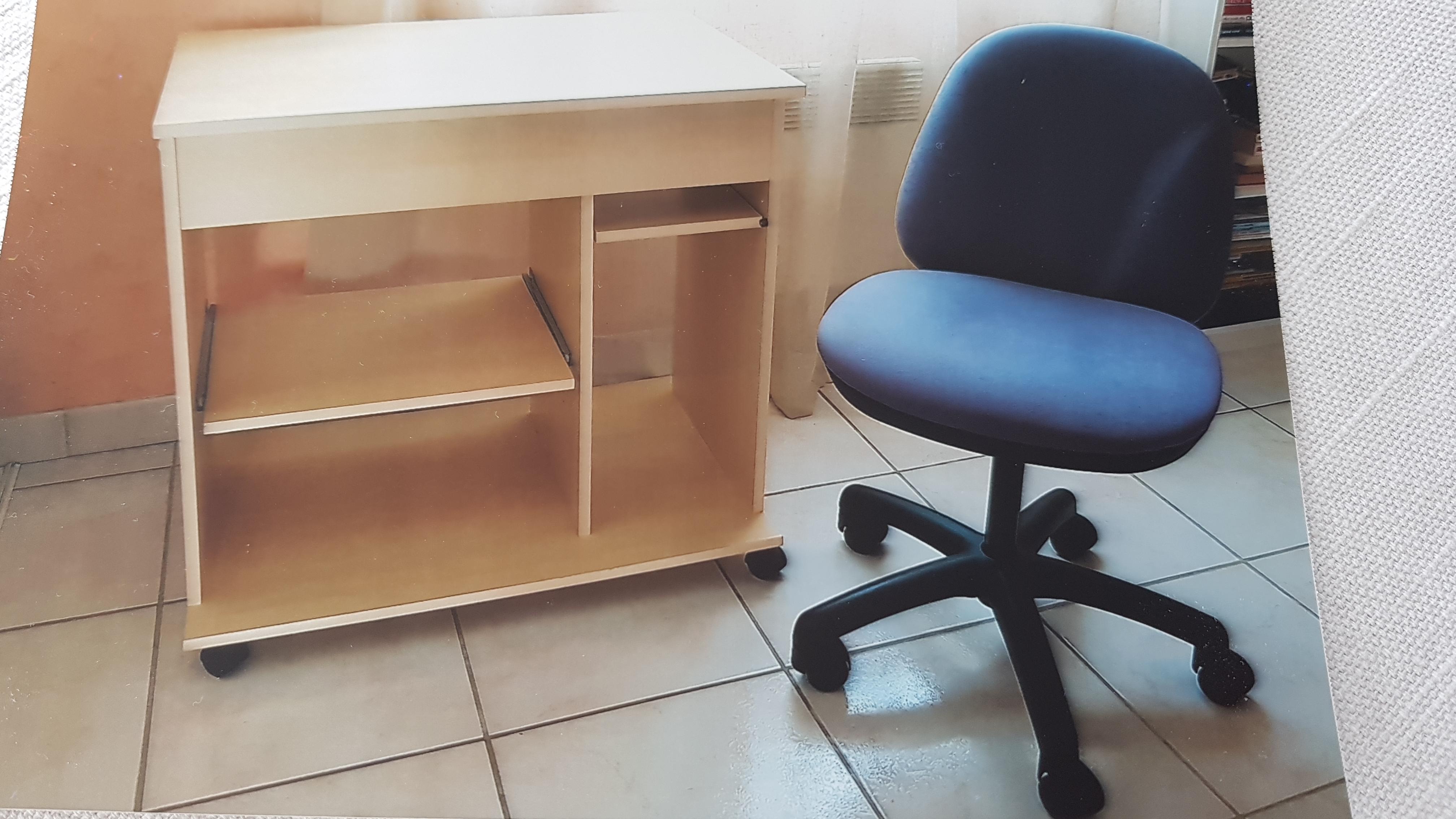 bureau ordinateur et sa chaise  20 Marennes (17)