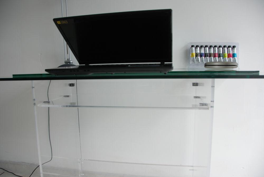 bureau Plexiglass 210 Saint-Aubin-de-Médoc (33)