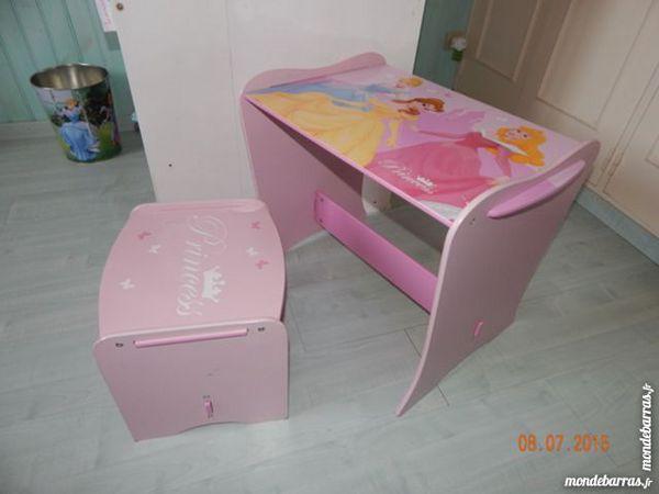 bureaux occasion nimes 30 annonces achat et vente de bureaux paruvendu mondebarras page 5. Black Bedroom Furniture Sets. Home Design Ideas