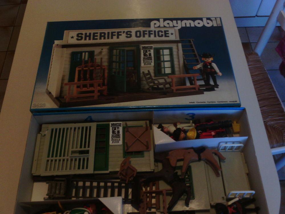 Bureau du  Sherif   de Playmobil. 80 Paris 15 (75)