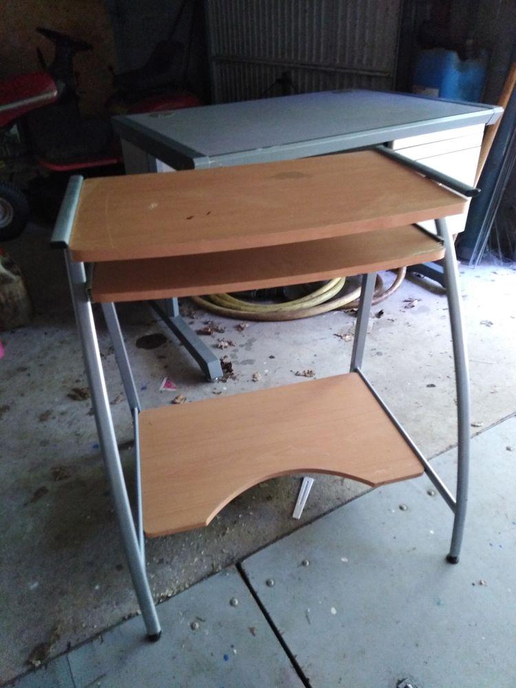 Bureau et table d ordinateur us ensemble où séparément 70 Fontenay-le-Comte (85)
